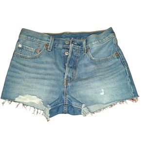 Levis high rise distressed shorts size 26